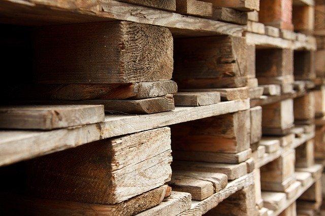Dřevěné palety a bedny jako trend!